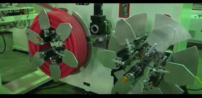 Автоматическая машина для намотки и обвязки шлангов и труб