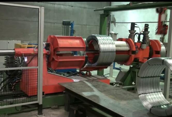 wire coil strapping machine