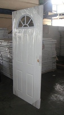 Door packing machine in wrapping