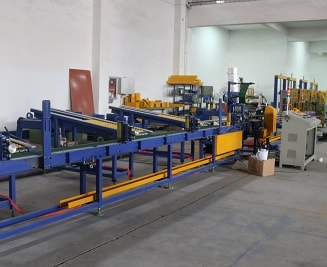 Automatic aluminum profile bagging machine