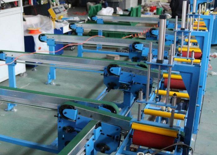 Conveyor tranfer table